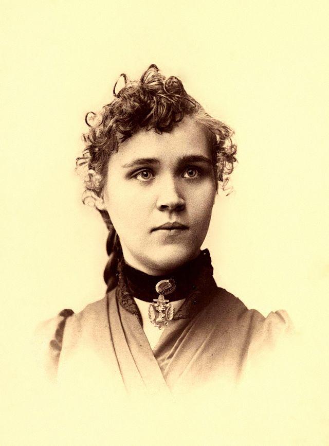 VOLTAIRINE DE CLEYRE Portrait
